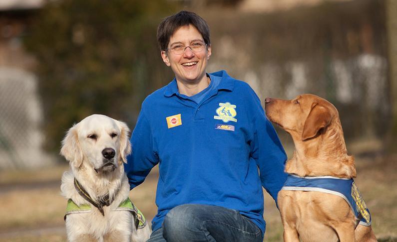 Sabine Häcker mit Hunden